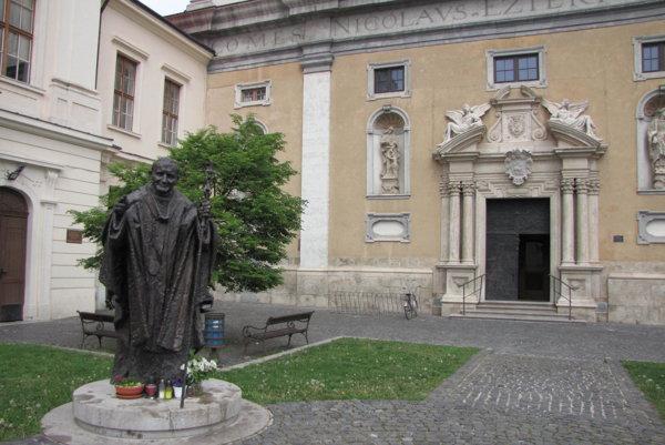 Univerzitné námestie v Trnave.