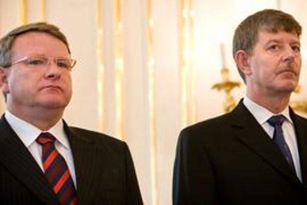 Ministri Jaroslav Izák  a Ján Chrbet Slovensku nepomohli.