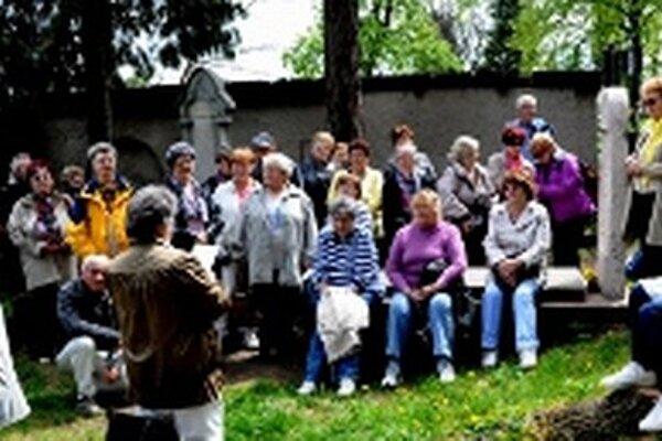 Bôbari sa zastavili aj na cintoríne v Banskej Štiavnici.