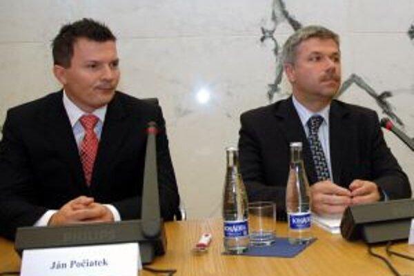 Minister financií pripravil podľa guvernéra NBS materiál s neaktuálnymi číslami.