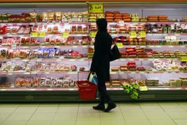 Kúpna sila spotrebiteľov v Bratislavskom kraji bola vlani podľa prieskumu GfK o niekoľko tisíc  eur vyššia než na východe Slovenska.