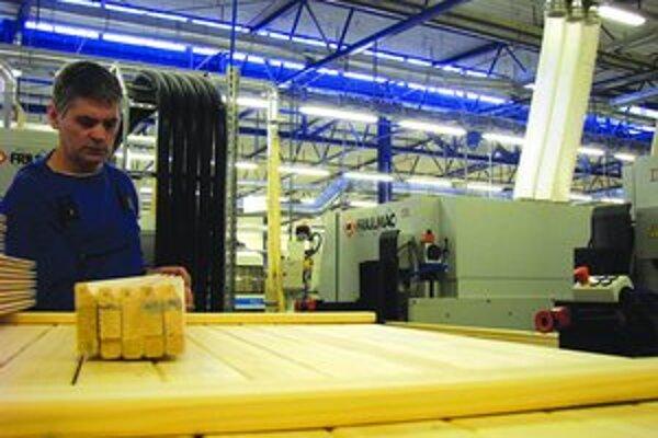 Swedwood vyrába nábytok zo smrekového dreva.