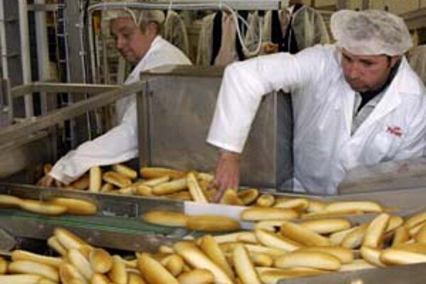 Hoci cena pšenice zaznamenala rekordný nárast v priebehu minulého týždňa, prudké zdražovanie pekárenských výrobkov a múky zatiaľ nehrozí. Cena pšenice vplýva aj na ceny kŕmnych zmesí, od ktorých sa odvíjajú ceny mäsa. Dôvodom rekordného rastu cien pšenice