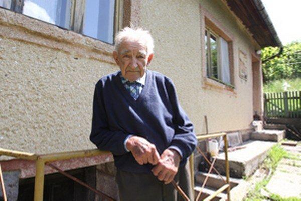 Dôchodcovia sa často stávajú obeťami podvodníkov.