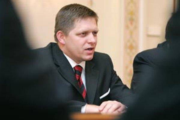 Nový Zákonník práce, ktorý pripravila Ficova vláda, môže podľa agentúry Reuters ohroziť ekonomický rast.