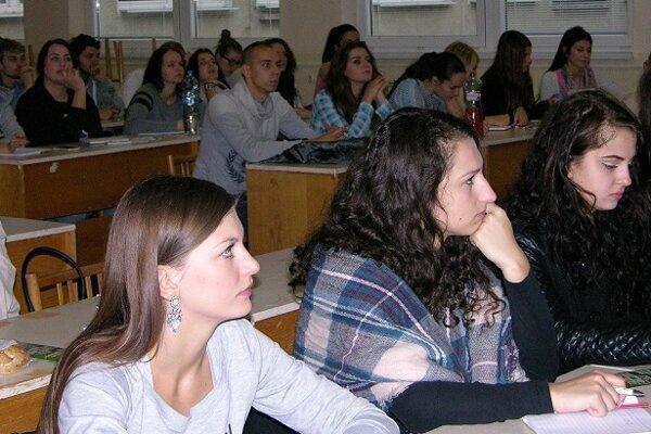 V 50 stredných odborných školách sa učí 16.862 žiakov, z nich 30 percent v technických odboroch.