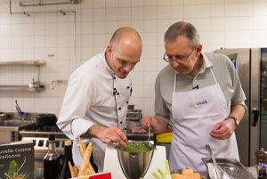 Christian Lepage, belgický veľvyslanec na Slovensku pripravil menu v spolupráci s Björnom Juhnkem, šéfkuchárom Kempinski Hotela River Park.