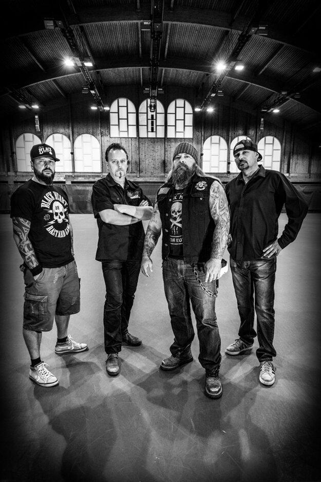 Piatkový program, počas ktorého sa predstsaví aj kapela ŠKWOR, je stavaný najmä pre rockerov.