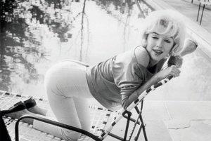 Merilyn MonroeSexsymbol 50. rokov Marilyn Monroe pri svojej výške 166 cm najradšej zo všetkého nosila úzke trojštvrťové nohavice.