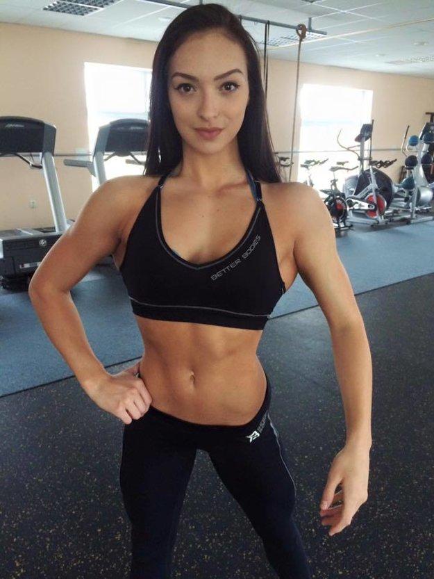 Tatiana v telocvični