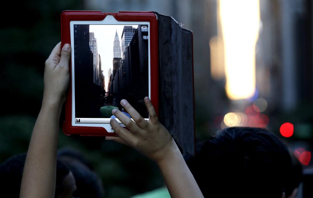 Dobrým záberom Manhattanhengu každý rok nemusí priať počasie.