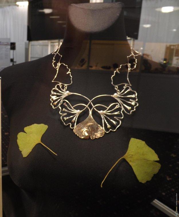 Víťazný šperk v tvare Ginka v prevedení Martina Šimeka.