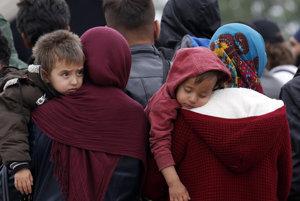 Migrantom chce pomôcť zozbieraným šatstvom a jedlom aj Finančná správa.