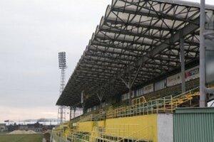 Kedy sa začne rekonštrukcia prievidzského štadióna zatiaľ známe nie je.