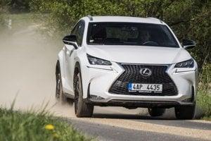 Lexus NX dostal k výrazným hranám aj ostrý motor pre veľmi temperamentnú jazdu.