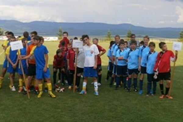 Účastníci turnaja v Kanianke.