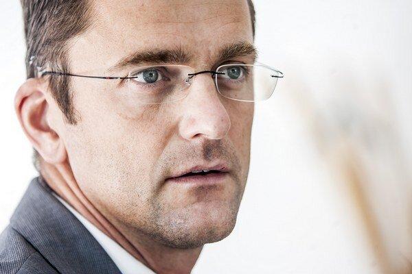Branislav Strýček (39) sa stal členom predstavenstva Slovenských elektrární v máji 2009, podpredsedom predstavenstva elektrární je od mája 2012.