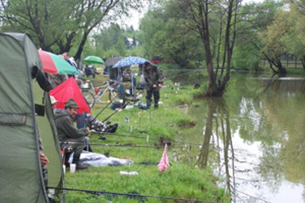 Rybári sa stretávajú aj na rôznych súťažiach.