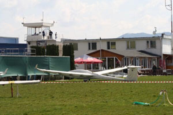 Prievidzské letisko je v týchto dňoch hostiteľom medzinárodnej plachtárskej súťaže.