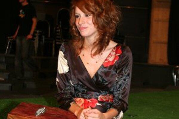 V Dome kultúry v Prievidzi sa 19. 2. Táňa Pauhofová predstaví v hre Ksicht.