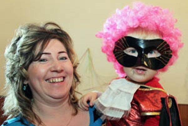 Dvojročný Miško bol na karnevale v maske upíra.