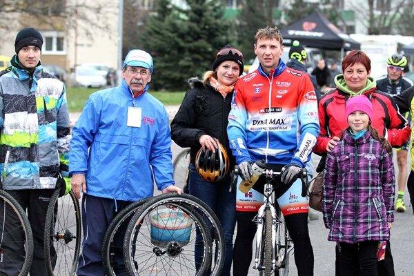 Výprava CK Dynamax na ME v Trnave, na bicykli Peter Koňoš.