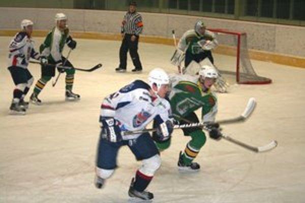 Hokejisti MŠHK Prievidza stratili doma ďalšie body.