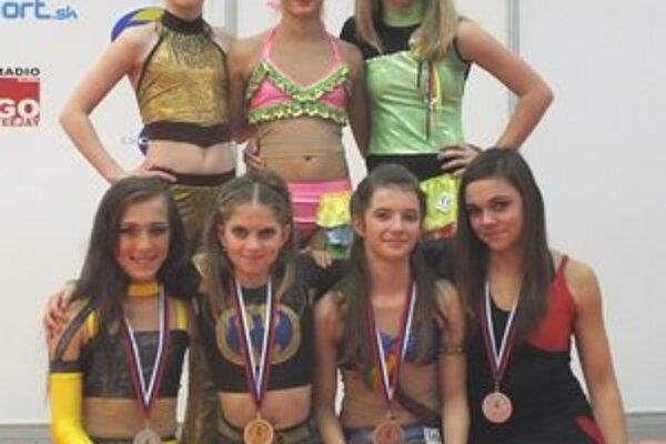 Uspešný kolektív dievčat ŠK Fitness Free Prievidza.