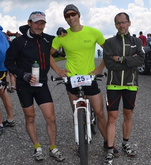 V cieli na Kráľovej holi. Zľava: Marian Ponek, Jozef Jedinák a Tibor Ponek.