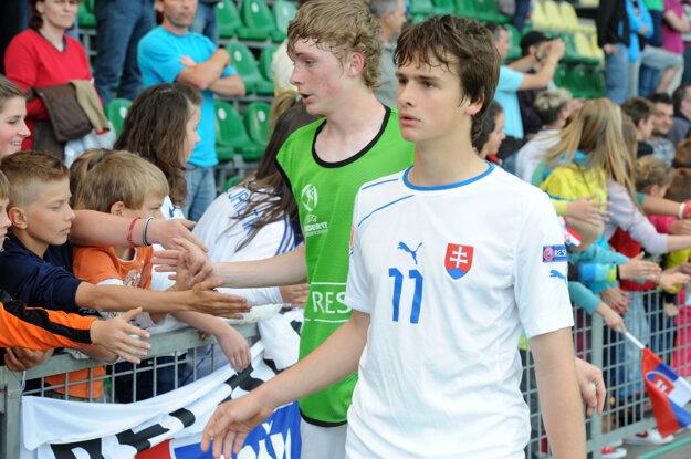 Lesniak reprezentuje Slovensko v mládežníckych kategóriách.