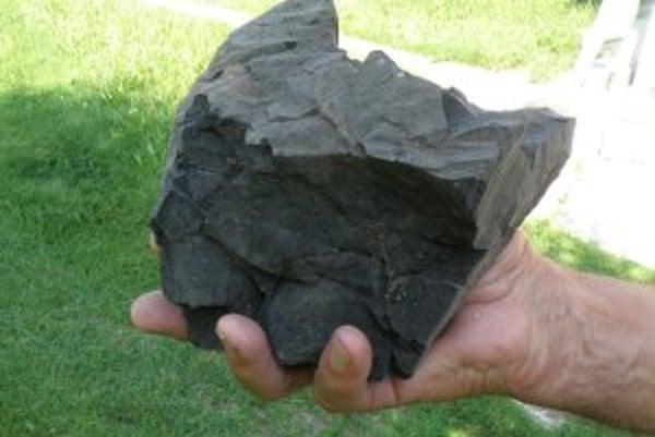 Ľudia si uhlie môžu kúpiť, sami si ho vykopať nesmú