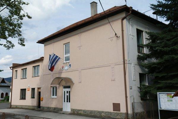 Obyvatelia Veľkej Čausy sa k volebným urnám vrátia 5. novembra.