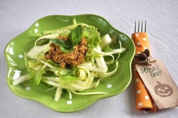 Cuketové špagety s bazalkovým pestom