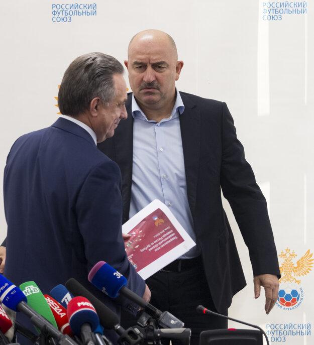 Nového trénera predstavil ruský minister športu Vitaly Mutko. (vľavo)