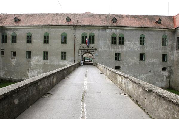 Múzeum Modrý Kameň.