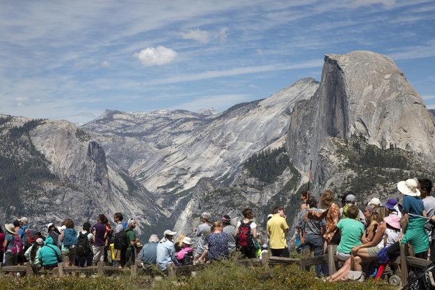 Yosemitské údolie od Tunnel View