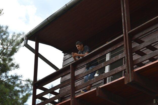 Jednou z tímových úloh bolo spočítať balkóny na chate, v ktorej boli ubytovaní. Ďalší tím mal zistiť, koľko chlapcov a koľko dievčat prišlo do tábora v Ružbachoch.