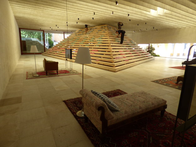 Škandinávci vo svojom elegantnom pavilóne Svere Fehna prezentovali Freudovu terapiu