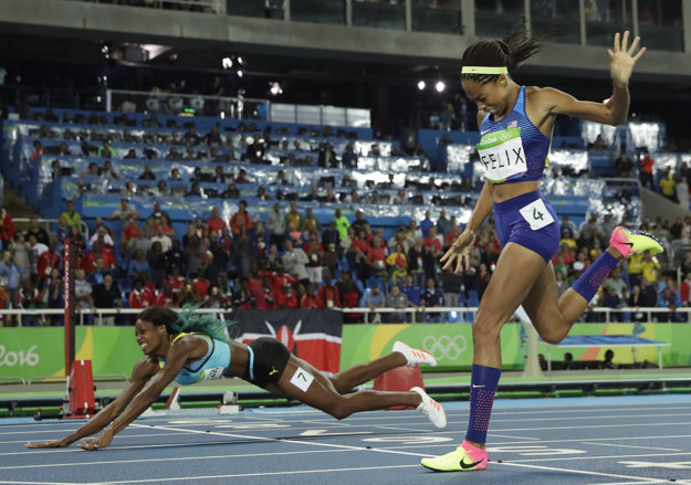 Millerová Allyson Felixovú svojim skokom prekvapila.