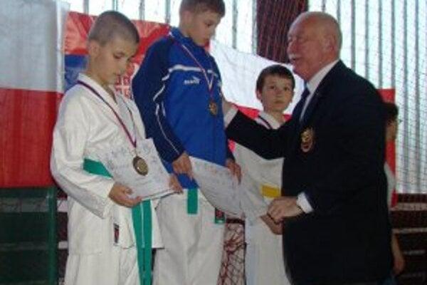 Marek Pavlák v kumite dominoval a zaslúžene triumfoval.