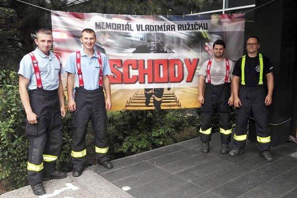 V extrémnej súťaži SCHODY štartovali aj Novomestskí hasiči.