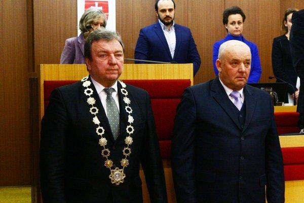 Primátor Ján Blcháč a jeho nový zástupca Ján Bonko (vpravo).