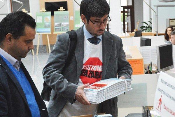 Myšlienku podporili aj desiatky organizácii a spoločenstiev vrátane riaditeľov všetkých základných a stredných škôl v Ružomberku.