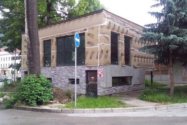 Toalety sú zatvorené z technických príčin od minulého roka.