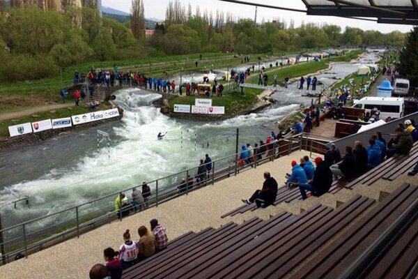 Areál vodného slalomu Ondreja Cibáka vLiptovskom Mikuláši, kde J. Piaček srozhodovaním začínal.