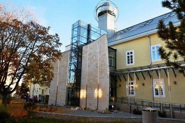 Slovenské múzeum ochrany prírody a jaskyniarstva v Liptovskom Mikuláši patrí medzi najkrajšie na Slovensku.