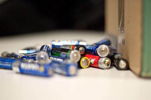 Baterky do komunálneho odpadu nepatria.