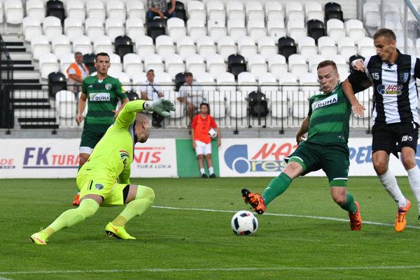 Jozef Talian, Ján Dzurík obaja z 1. FC Tatran Prešov a Roman Sabler zo Spartaka Myjava.