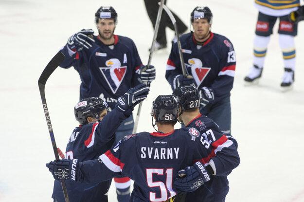 Strelcom druhého gólu Slovana bol obranca Ivan Švarný.