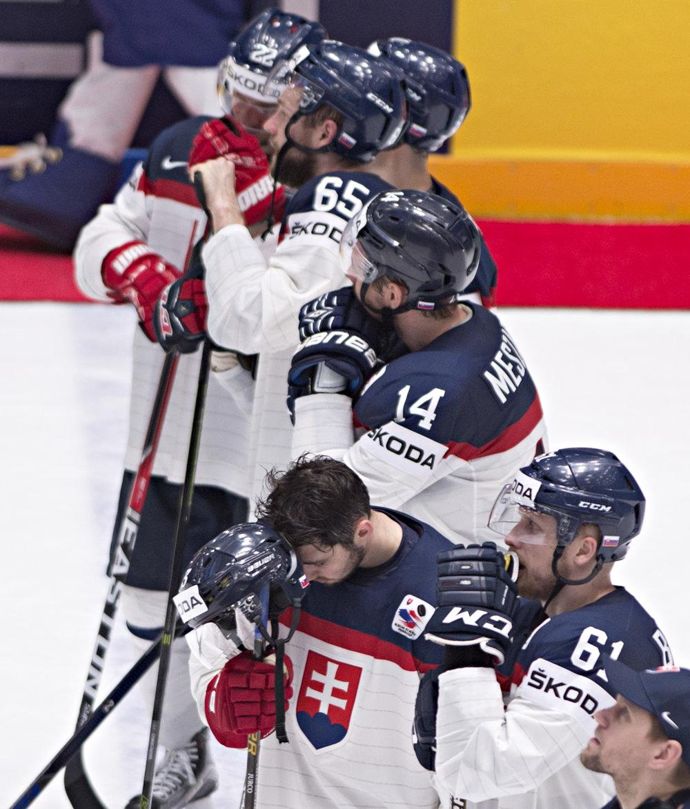 Smútok slovenských hokejistov na tohtoročných majstrovstvách sveta. Ani tento rok nepostúpili do štvrťfinále.